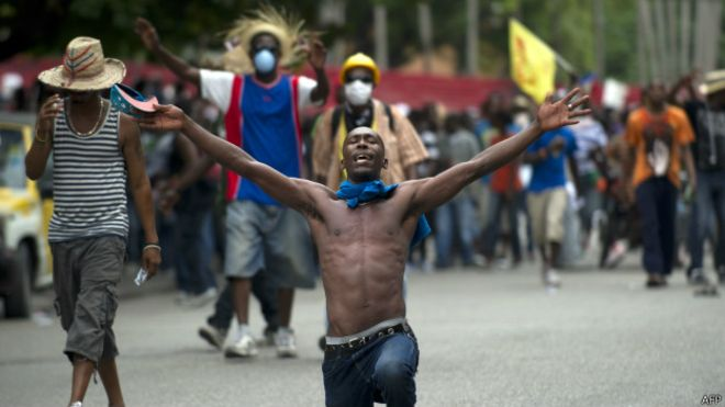 141217030627_sp_haiti_protestas_624x351_afp