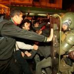 Nella giornata di martedí gli scontri con la polizia hanno prodotto 273 arresti