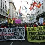 Leader della rivolta é una ragazza di 23 anni studentessa di geografia, Camila Vallejo