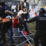 Niño llorando, imagen brutal de la represión franquista en Barcelona. Foto divulgada por Twitter, de David Ramos/ Getty Images.