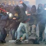 No pasarán! ¡no pasaran! el fascismo se detendrá ante el muro de granito que el acero le opondrá, ¡vencerá!